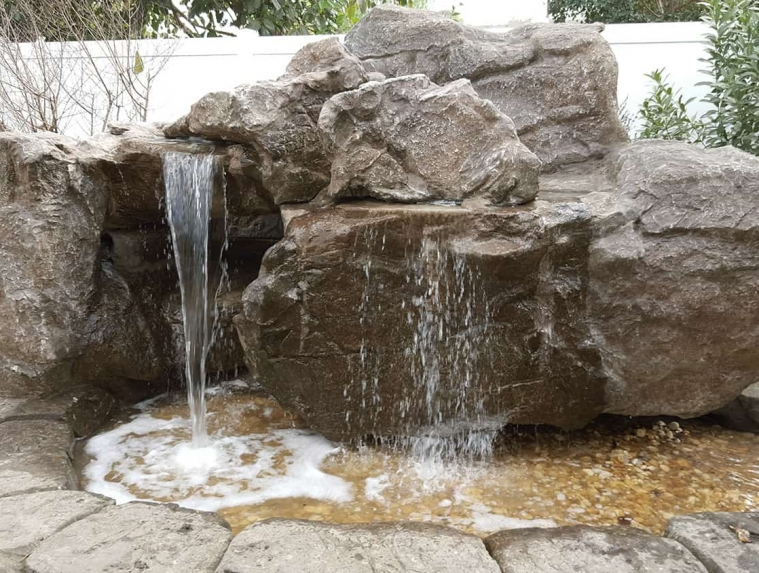 Sparkle Outdoor Living Water Feature